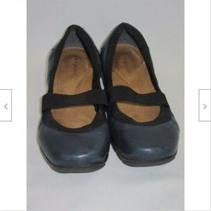 Easy Spirit Mary Jane Shoes Blue Leather Size 5.5M